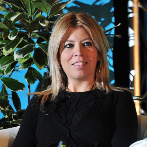 Doutora Cláudia Moura